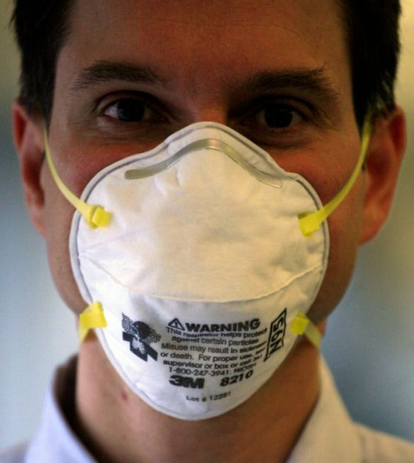 A 3M N95 mask, which is certified by NIOSH. These masks ensure that at least 95% of small airborne particles are filtered out. (Photo: ASSOCIATED PRESS)